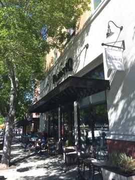 La PanotiQ Bakery & Cafe